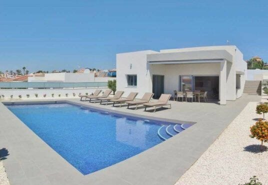 Buy a villa in Spain on the Costa Blanca