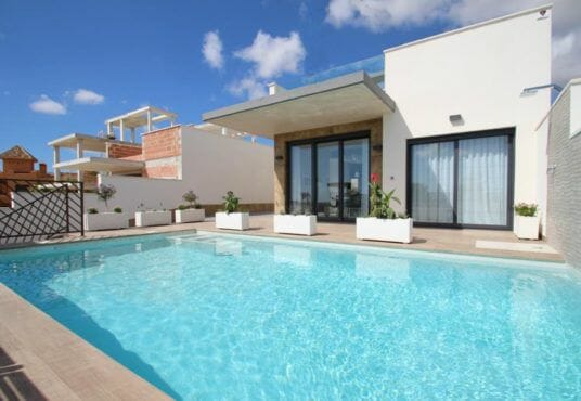 Detached villa for sale in Costa Blanca